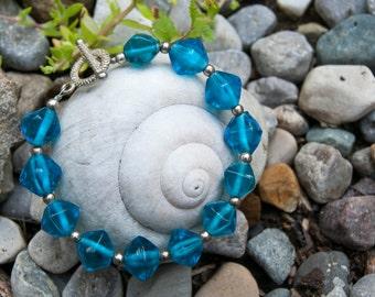 Blue Glass Bead Bracelet - Aqua Bracelet - Beaded Jewelry - Summer