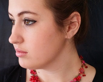 SCARLET PEONY necklace