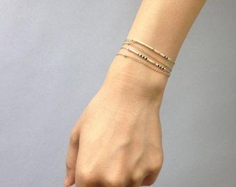 Friendship chain bracelet / Delicate layering bracelet / Light lilac grey