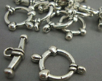 A13 - 5 Silver Plated Round Toggle Clasps Necklace Findings