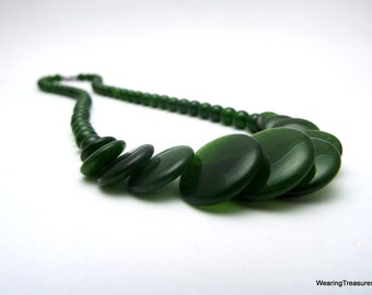 Jade necklace with discs and beads green