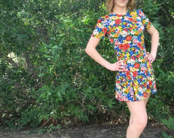 SALE!!  just marked down! 1970's Vibrant Floral Dress