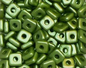 Quad Beads - #4 Pastel Olivine - 4mm 5 grams