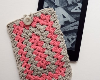 Crochet Kindle Case/ Crochet Kindle Cover/ Crochet Tablet Case in Salmon and Taupe