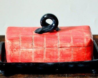 Classic Red and Bkack Check Covered Butter Dish Stoneware Pottery