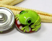 SMAUGGS handmade lampwork bead popper snap, glass, red, white. green, frog, 18mm