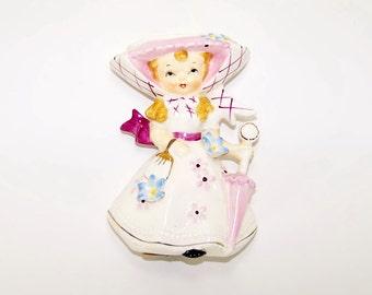 Vintage Geo Z Lefton Miss Dainty in Pink Wall Pocket