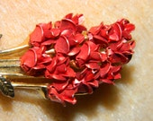 Beautiful Red Rose Pin, DM Rose Bouquet Metal, Shinny Red Rose, Mothers Day Rose, Spring Time Rose Brooch, Pin