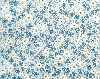 "Small Print Little White Daisies Floral Cotton Fabric 1/2 yard 18"" x 44"""