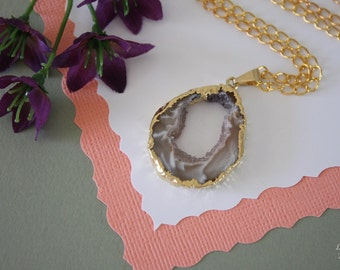 Druzy Necklace Gold, Geode Necklace, Crystal Necklace, Gold Geode Slice Druzy, GG16