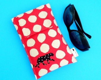 Roomy Sunglasses Case in a Japanese Leopard Design