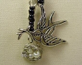 Bird curly wire Necklace glass beaded Charm wire wrapped Nest  Pendant Necklace