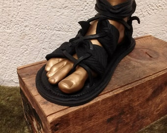 Unisex Gladiator Leaf Sandals in BLACK / Handmade Leather Sandal Flat Lace Up Greek Medieval Renaissance Dark Faerie LARP Forest Leaves