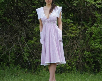 Vintage 70s Gunne Sax Dress Rare Style Reversable Pink and White with Capelet, Jessica McClintock - size Small - Pockets, Tea length, V neck