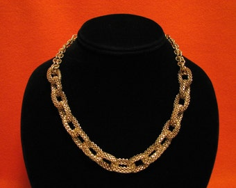 Vintage Gold Tone Mesh Serpentine Chain Link Choker Necklace
