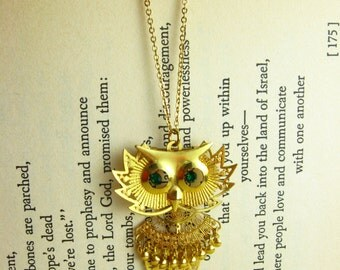 Owl Necklace Gold Green Rhinestone Owl Jewelry, Green and Gold Owl Pendant Necklace, Dangling Jewelry Gold Necklace Pendant, Dangle Necklace