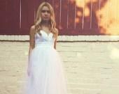 Floor length wedding dress tulle skirt lace bodice summer beach wedding