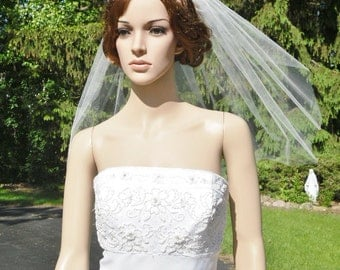 Single Tier Veil Cut Raw Edge Bridal Wedding White Diamond Ivory