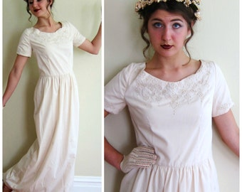 Vintage 1960s Maxi Dress in Embroidered Cotton / 60s Summer Dress in Ivory / Medium