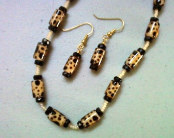 Spotted Leopard Necklace and Earrings (0531)