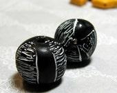 Black and White Round Handmade Bead Set