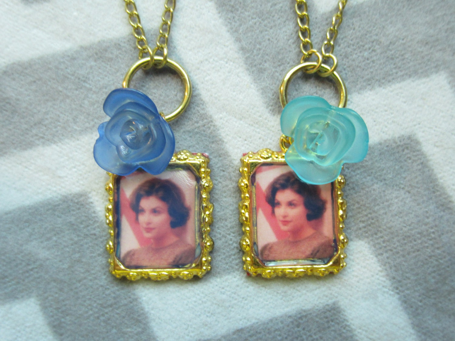 Audrey horne blue rose necklace inspired by by for Audry rose jewelry reviews