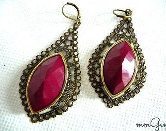 Burgundy statement earrings, red statement earrings, deep red earrings, leaf earrings, leaves earrings, boho earrings, vintage style, cone