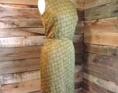 VIntage 1950s Green Orange and Gold Shift Dress, Wiggle Dress, Green Dress, Button up back, Size 6, floral dress, vintage womens clothing