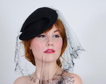 1930s vintage hat / tilt hat / Madame Suzy