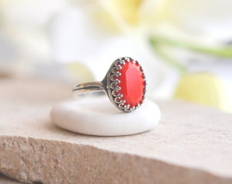 Red Oval Crystal Ring in Antique Silver.  Simple Ring.  Jewelry. Gift.  Oval Ring.