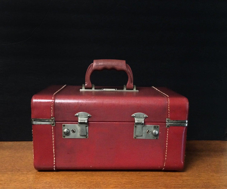 vintage art deco crown luggage burgundy train case. Black Bedroom Furniture Sets. Home Design Ideas