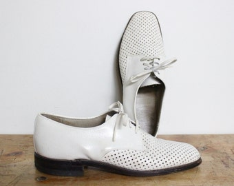 White Leather Summer Dress Shoes Mens size 9 D / B / 10 Lace Up Oxfords Vintage Holes Breathable Rockabilly Greaser