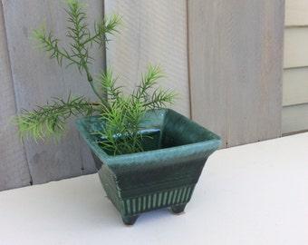 Vintage Hull Green Dripware Pagoda Style Asian Planter / USA Pottery Planter