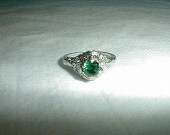 edwardian engagement ring 14 kt white gold emerald diamond filigree antique wedding ring green silver sparkle elegant victorian  size 6 ring