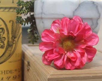 Flower Clip for Women  Pink Daisy