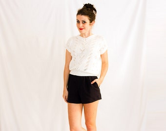Vintage Pretty Patterned Sweater Tee with Lace Collar