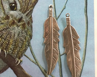 Silver Feathers  (1 pair )