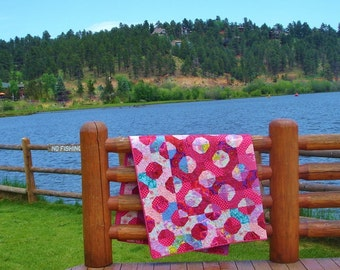 LOVE and KISSES-- Quilt Comforter