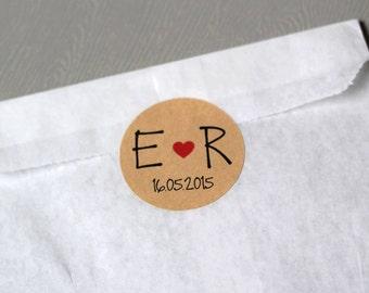 Customizable circle stickers for wedding - initals - little heart - date - x12 (kraft)