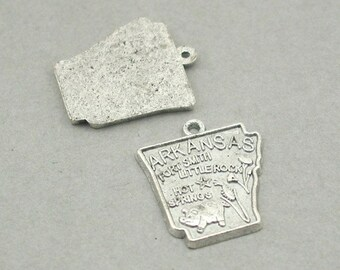 Arkansas State map charms Antique Silver 4pcs zinc alloy beads 19X22mm CM0850S