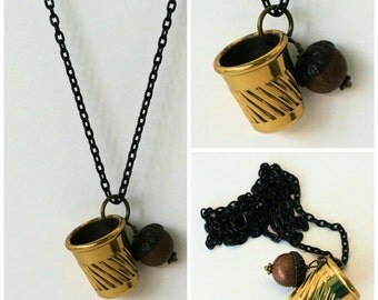 Peter Pan Acorn and Thimble Hidden Kisses From Neverland Peter Pan and Wendy Brass and Black