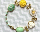 Cabochon bracelet in green and yellow