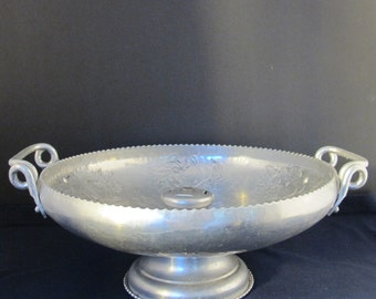 Vintage 40's large hammered forged aluminum fruit or flower bowl