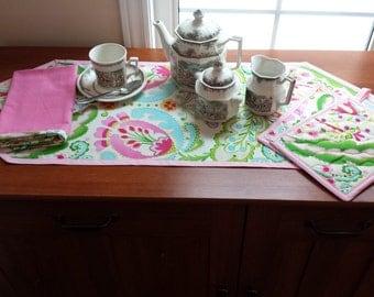 Spring Flowers Kitchen Set/Table Runner/Pot Holders/Serving Towel