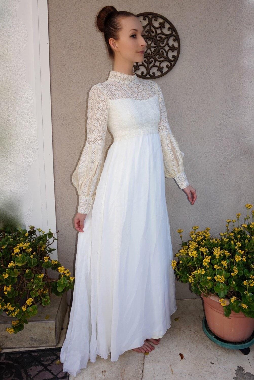 Sale vintage bohemian lace wedding dress boho wedding for Bohemian style wedding dresses for sale