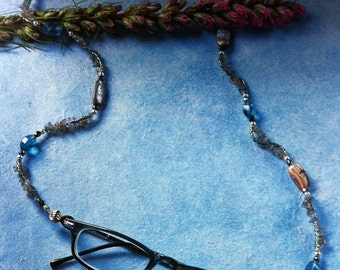 Labradorite Glasses Holder