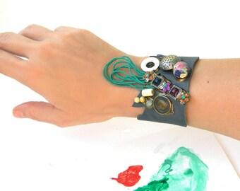 Leather Cuff Bracelet Steampunk Wide Bracelet, Steampunk Jewelry, Leather Jewelry, Button Bracelet Cuff Steampunk Bracelet, Button Jewelry