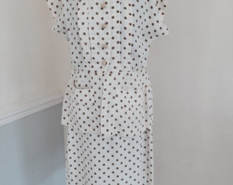 1950s Vintage 2 piece ideal for any vintage occasion and very wearable for any age