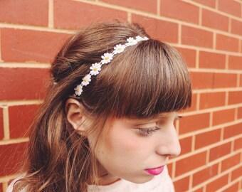 Resort vintage style Daisy Headband, white floral fabric sewn,wedding party wear