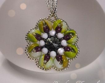 Piggy beads beading tutorial, Flower pendant, DIY tutorial